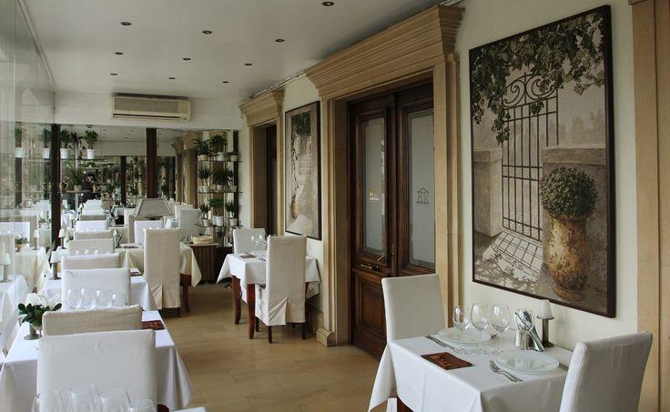 "Residence Arc de Triomphe ""Business & Wellness"" Hotel."