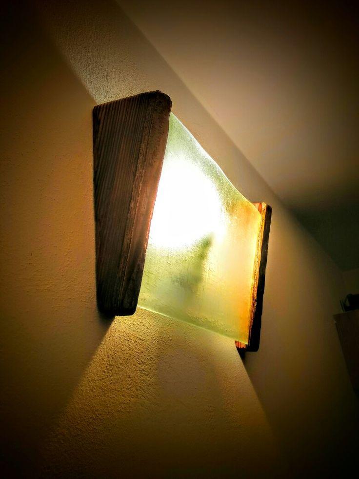 Legno di larice  antico e vetro smerigliato