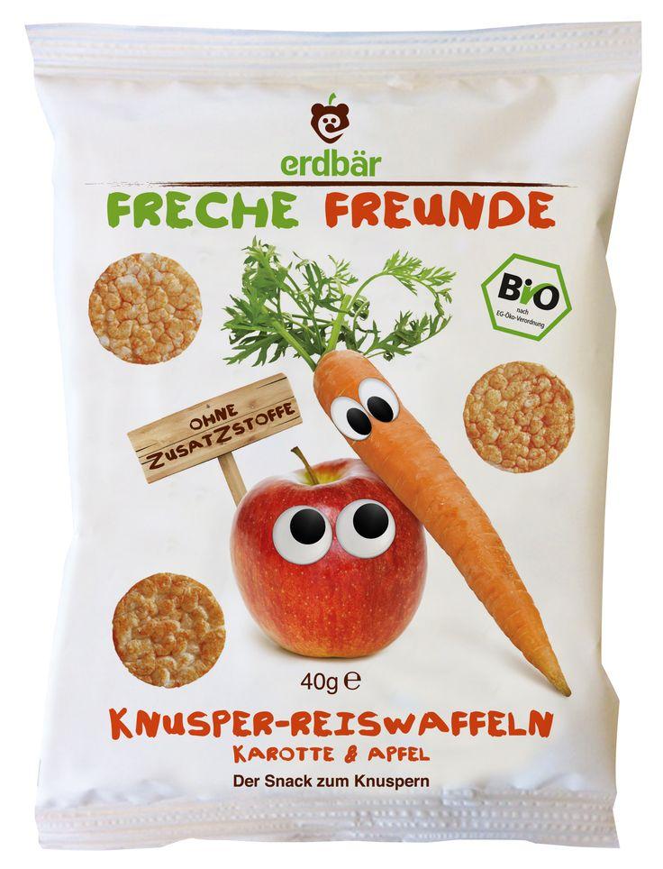"""Die Frechen Freunde sind auf den Reis gekommen! Knusprig-fruchtig kommen unsere Reiswaffeln """"Apfel & Karotte"""" aus der Tüte gerollt! 100% Bio, ohne Zusatzstoffe, praktisch für unterwegs und dabei perfekt für kleine Hände & Zähnchen!"""