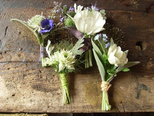 Free buttonholes from Cornish florist The Blue Carrot – naturally grown seasonal wedding flowers