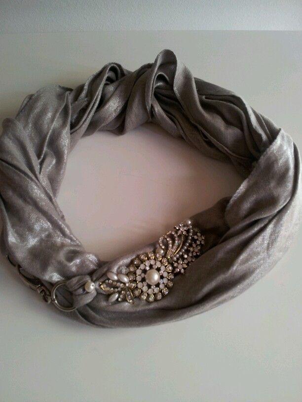 collana o cintura con tessuto laminato argento e gioiello