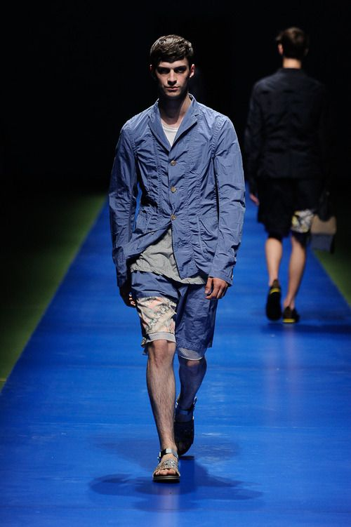 Look from Kolor's Spring/Summer 2014 menswear collection #runway #shorts #print #fashionweek