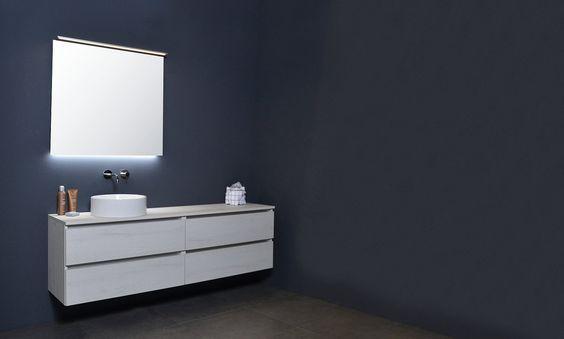 INK badmeubel, alu keerlijst topdeck grepen. De losse enkele kom maakt het gehele design af en de witte kleur maakt dit meubel geschikt voor iedere badkamer.