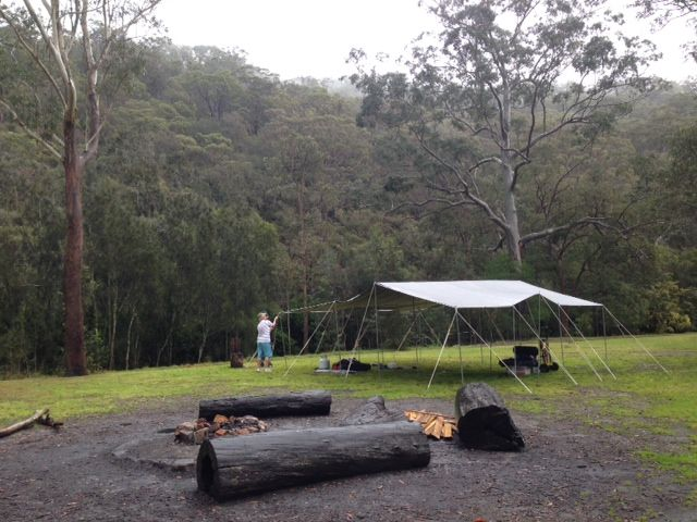 This is an early version of the MEGA KIT tarpaulin shelter from CampKings Australia. It takes 1 person less than 60 Minutes to set up and is a MUST for camping in the wet and in the heat! #CampKingsCrew at Crosslands Reserve #campground on our #GTFO #GetTheFamilyOutdoors #adventure #tarpaulin #MEGAKIT #TarPOLEInRange #Crosslands #CampKingsAustralia #CampKitsAustralia