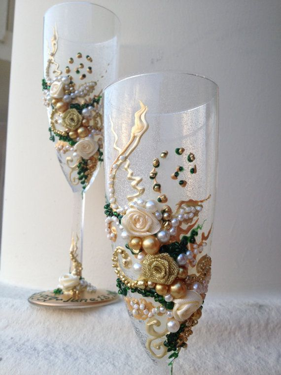 Wonderful Hand decorated Wedding champagne glasses in emerald green, gold and ivory, wedding reception toasting flutes, bridal shower gift