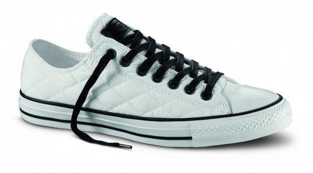 Sneakers bianche basse matelassè - Sneakers bianche basse matelassè della collezione scarpe Converse autunno/inverno 2015 2016.