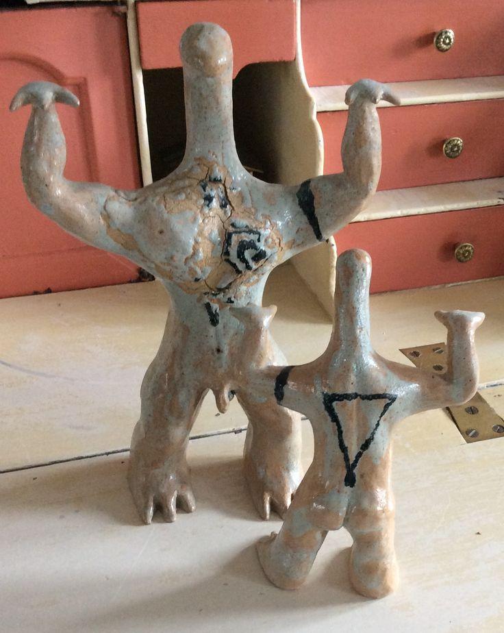 "Stoneware sculptures ""lizard man & son"", H 33 cm and H 22 cm"