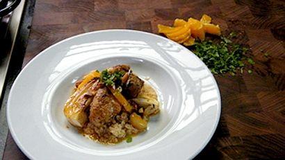 Tajine de poulet et de veau, ail confit, fenouil et mandarines  Louis-François Marcotte