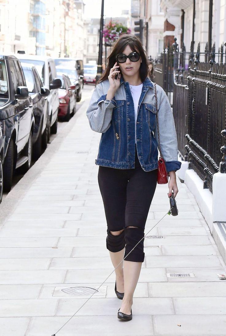 daisy-lowe-casual-style-walking-her-pet-pooch-in-london-07-12-2017-8.jpg 1,280×1,903 pixeles
