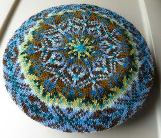 Tam Hat Knitting Pattern Free : 1000+ images about Baret/ tam on Pinterest Fair isles ...