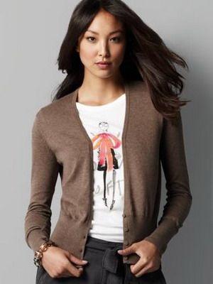 Fashionabla och eleganta kvinnor stickade koftor: ett foto som det är - One Lady