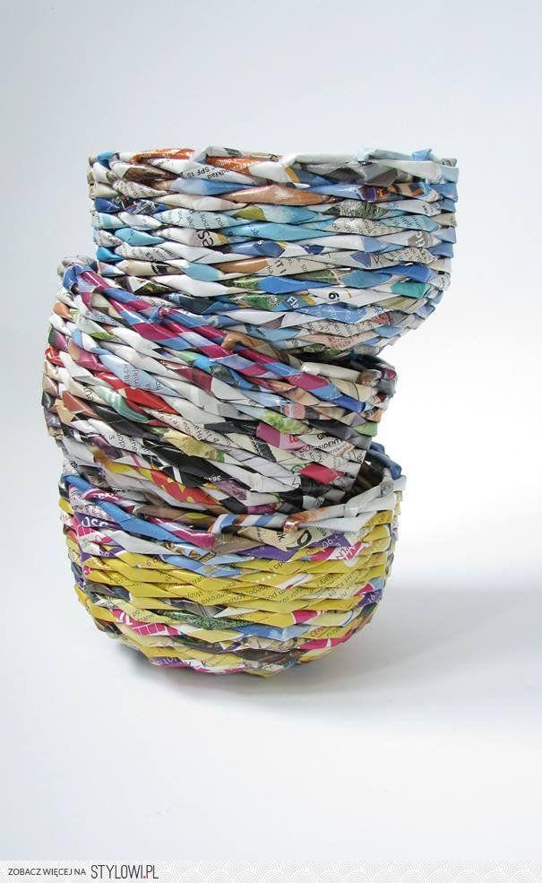 colorful baskets, newspapers - zapleciona