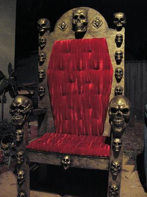 28 best images about thrones and gothic chairs on for Diy king throne chair