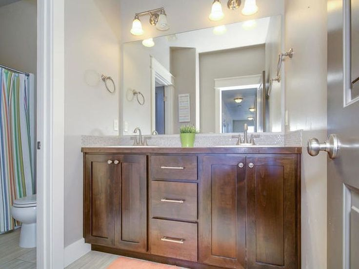 i want that trim in a makeup desk area and or the kitchen