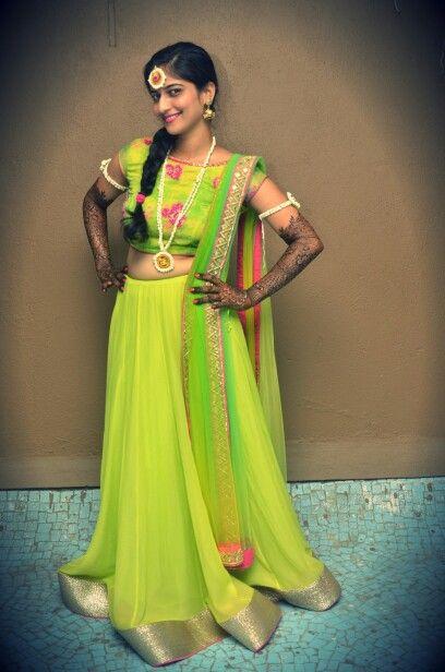 #Mehendi #flowerjewellery #limegreenlehenga