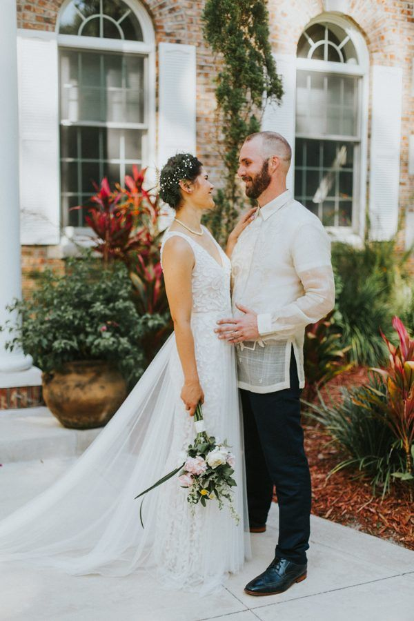 Tropical wedding inspiration | Image by Marcoz & Miranda