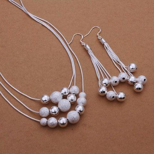 cercei si colier argintii http://www.bijuteriifrumoase.ro/cumpara/cercei-si-colier-3442