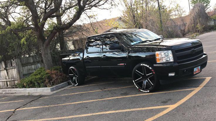 """2008 Chevrolet silverado 1500 vortec max 6.0 on 24"""" wheels"""