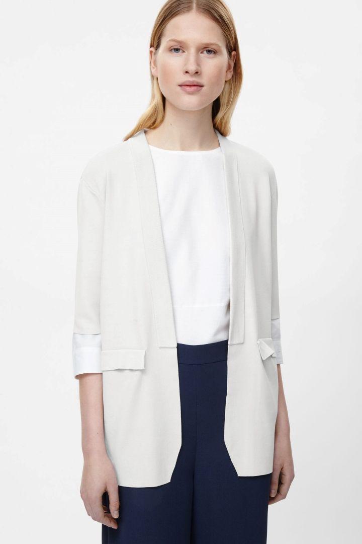 COS Short sleeve knit blazer in Light Grey - Säle
