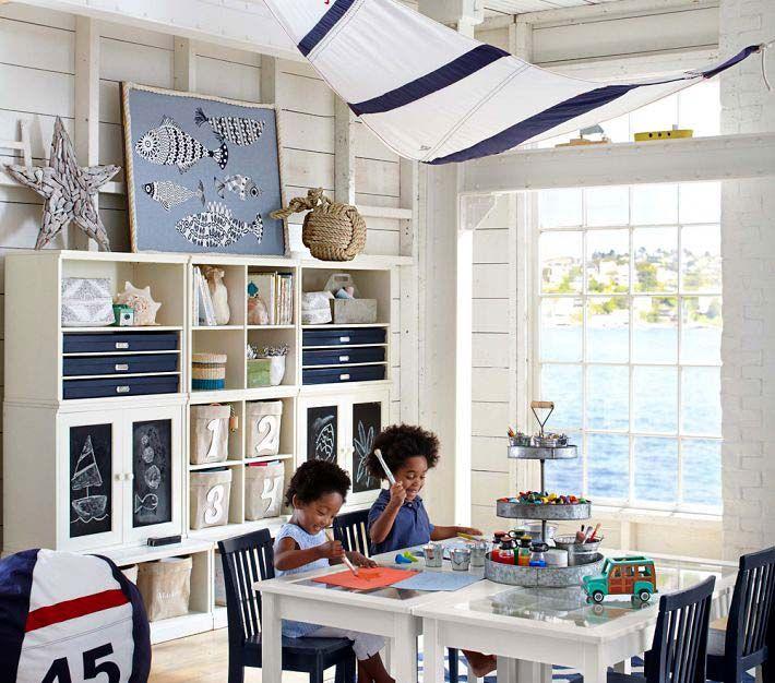 Морская тема в оформлении детской комнаты от Pottery Barn Kids