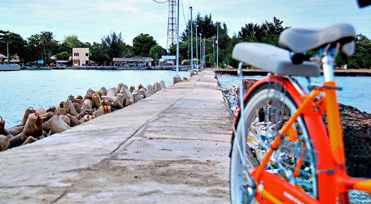 Sepeda Oranye di Pulau Pari #pulaupari #pari #pulauseribu #jakarta #sepeda #indonesia