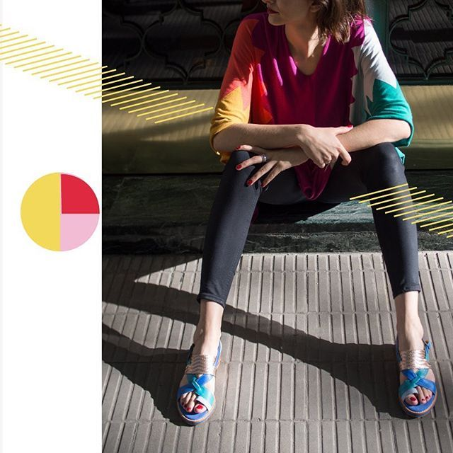 Túnica #Azulejo Fucsia  Sandalias #OblicuoCeleste #SALE   Prendas en tejido de punto que se apoyan en el cuerpo sin apretarlo sin marcarlo pero acompañando sus formas y movimientos.  Sandalias con calce perfecto para que tu andar sea cómodo y seguro. Pasá por el #LPStore y adoptá un LP para toda tu vida! Y la mejor parte es que esta semana te los llevás con súper precios de liquidación! ///// Efectivo: Descuentos del 20 al 35%! Tarjetas: 15% OFF Jueves Viernes y Sábados: Ahora 3 y 6 pagos…