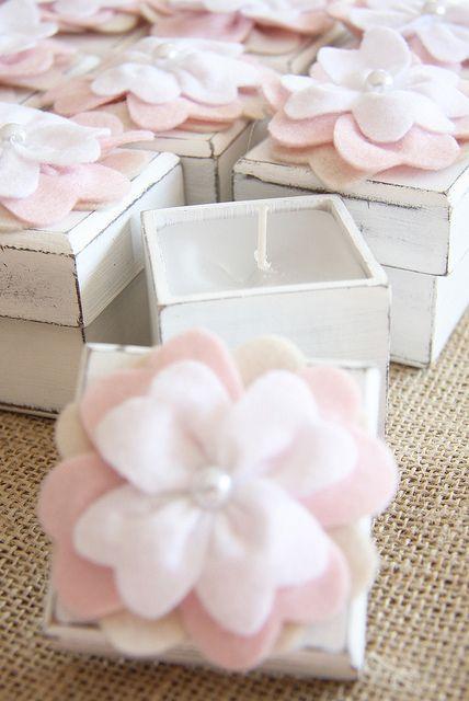 Vela na caixinha com enfeite em feltro, lembrancinhas personalizadas