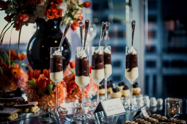 """""""So Good"""" Real Wedding Styled Shoot + Music Video! - Blackbride.com - Desserts and Table by Sift!"""