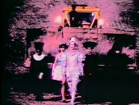 a still from David Bowie's Ashes to Ashes video. amazing stuff!