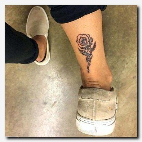 The 25+ best Rib tattoos for guys ideas on Pinterest | Rib tattoo ...