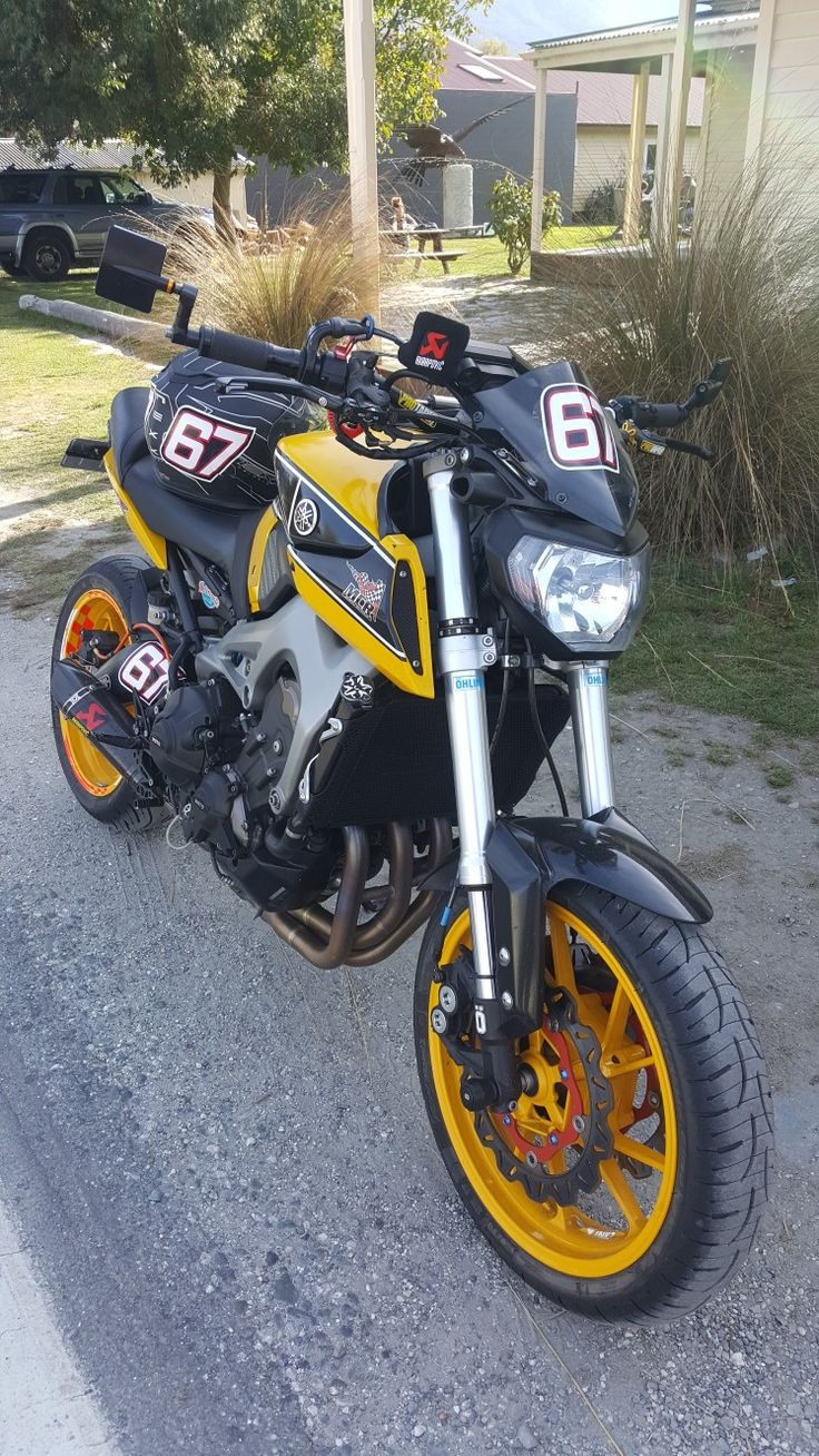 Yamaha mt 09 modified from track to canyon carving to pub