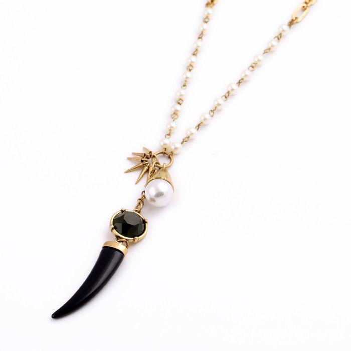 Długi naszyjnik czarny kieł z perłą