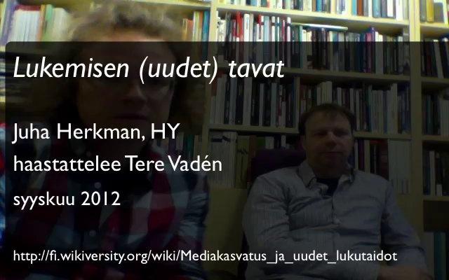 """Juha Herkman kertoo tutkimushankkeesta """"Uudet lukemisyhteisöt, uudet lukutavat"""" ja hankkeen pohjalta julkaistusta kirjasta Lukemisen tavat: miten nuoret ja nuoret aikuiset Suomessa lukevat."""