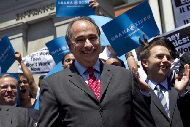 David Axelrod: Hillary Clinton's 'Live With It' Campaign Theme 'Is No Rallying Cry!', David Axelrod
