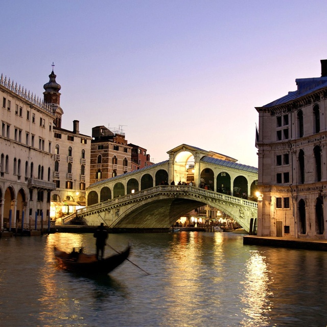 Rialto Bridge @ Venice, Italy. The city of love.. it indeed felt very romantic even though it was just me and two friends!