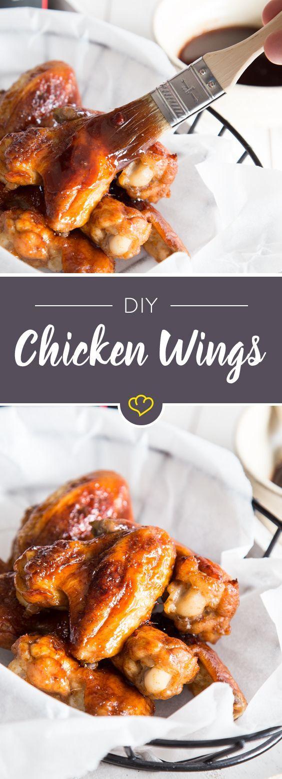 Nicht aus dem Food Truck, sondern aus deinem Backofen: Chicken Wings. Mit einer BBQ-Honig-Sauce mariniert und knusprig-kross gebacken.