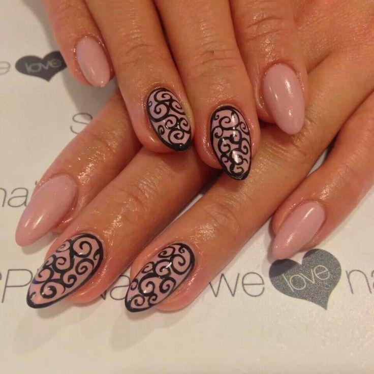Lakiery hybrydowe SPN Nails UV LaQ 634 Perfect Beige & 503 Black Tulip. Nails by Monika Madeleine Studio Wrocław