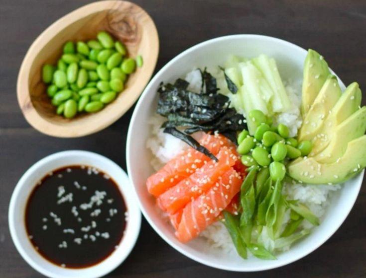 Binnen 15 minuten op tafel en zó lekker: een sushi bowl