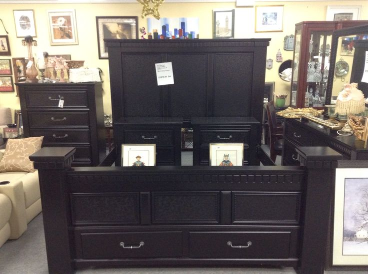 King Size Complete Bedroom Set - Ashley bedroom set with King size bed, ladies dresser with mirror, Tallboy dresser and 2 night tables. The St is immaculate. Additional drawers in the foot of the bed. Item 780-1. Price. $1780.00 complete set   - http://takeitorleaveit.co/2015/03/31/king-size-complete-bedroom-set/