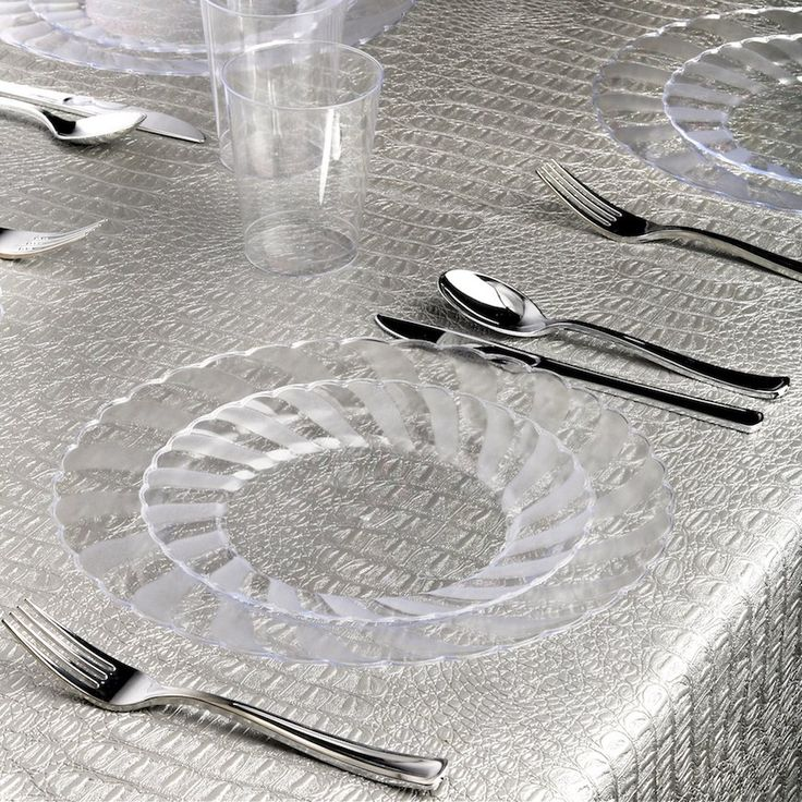 Amazon.com: Kaya Collection - Clear Disposable Plastic Dinnerware Party Package - 36 Person Package - Includes Dinner Plates, Salad/Dessert Plates, Silver Cutlery and Tumblers: Kitchen & Dining