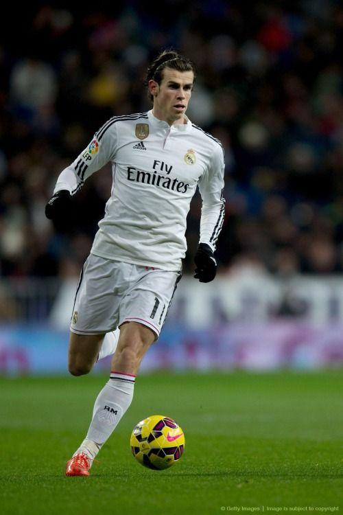 Gareth Bale a favor del Real Madrid, que por cierto en el Derby de ayer fue vapuleado 4–0 por la Leti.