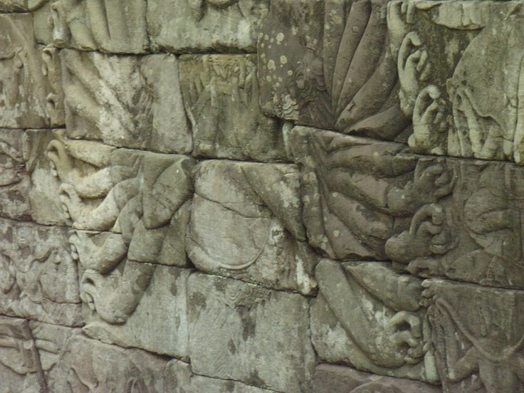 A carving on the back wall of Beng Melea - defaced in places but still beautiful !