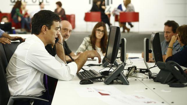 El sistema de primarias ideado por Pedro Sánchez permite esquivar la presión de los aparatos del PSOE
