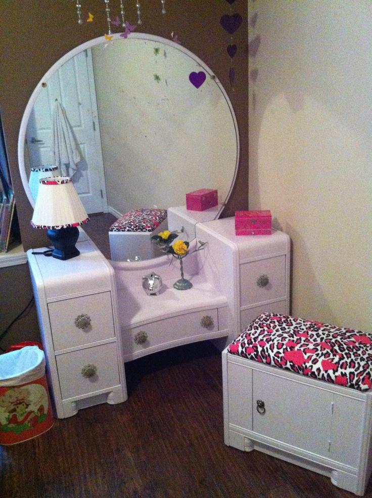 GG's Dresser Set