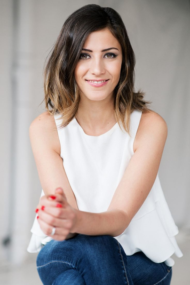 From Engineering to Jewlery Design with Noura Sakkijha, Co-Founder of Mejuri #theeverygirl