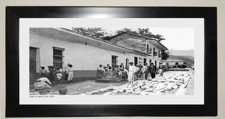 Calle 12 entre cra 3 y 6. 1913 http://articulo.mercadolibre.com.co/MCO-405686492-hermosa-coleccion-fotografica-del-cali-viejo-_JM