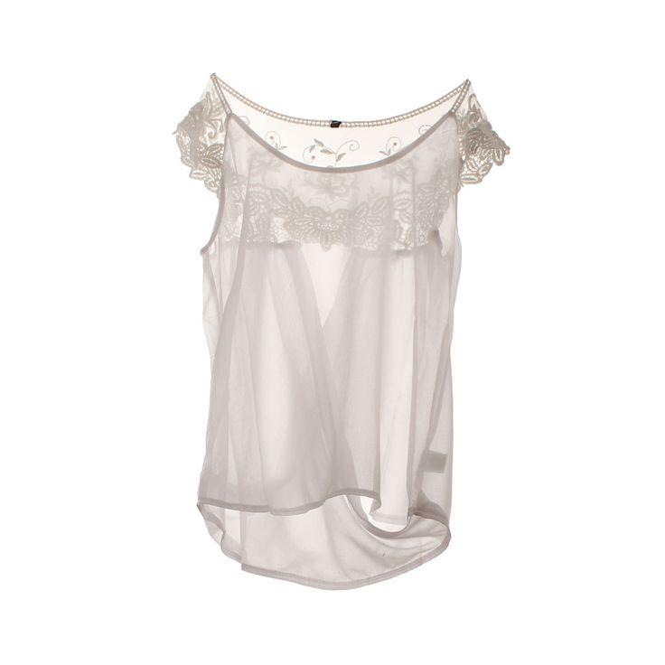 Blusa de mujer chifón de color blanco.