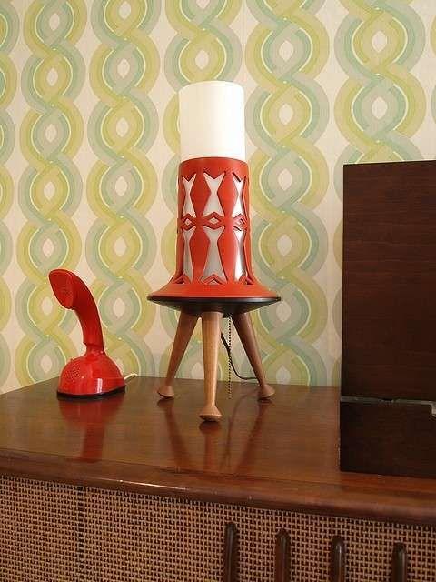 Originali lampade anni 50 - Lampade nelle nuaces del rosso per un arredamento anni 50.