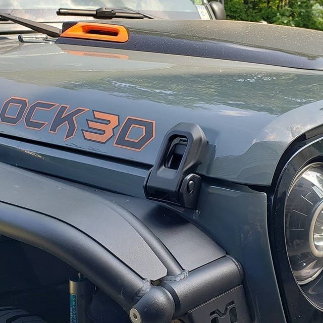 That Was Easy Jl Hood Latches On The Jk Is A Super Easy And Very Cool Modification Jeep Jeeplife Jeepwrangler Jeepmafia Jeep Wrangler Cool Jeeps Jeep Jk