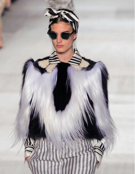 Giambattista Valli #fashionshow #hautecouture #paris #rome #fall #winter #2014 #2015 #fashion #style #women #womenfashion #bookmoda